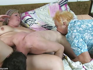 OldNanny BBW mature and Old granny with guy have nice treeso