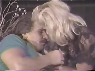 FRANK JAMES IN THE GREAT SEX CONTEST-1988
