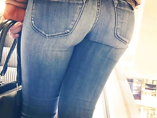 Sexy tight candid jeans ass – 17 – close up
