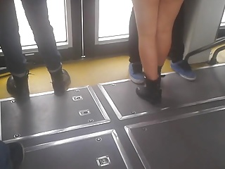 SHORT EN MEXIBUS  ( TEEN WITH SHORT IN BUS )