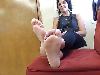 cute milf feet