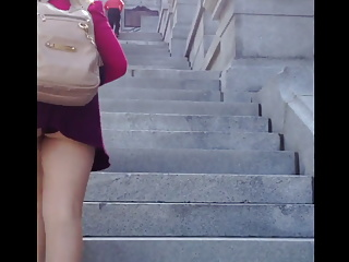Teen showing her ass – Stairs