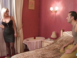 LaCochonne – Slutty French babe loves double penetration