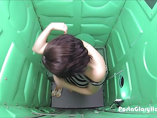 Porta Gloryhole Thick teen swallows loads of cum parking lot