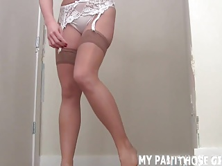 Silk stockings makes me feel like such a sexy slut JOI