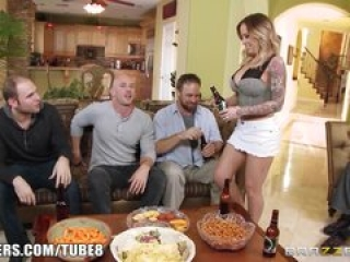 Brazzers – Payton West cuckolds her husband
