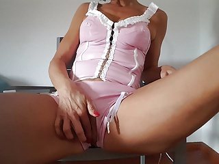 Dutch mom MILF Lisa mastrubating 3