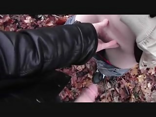 Horny outdoors – Assfuck with young Girl