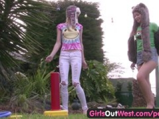 Girls Out West – Cute amateur lesbian babes lick and finger each other