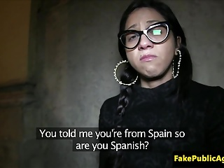 Pickedup spanish amateur creampied closeup