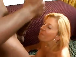 Girl Sucks Mandingo