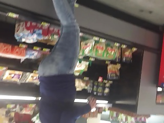 Thick milf Pawg shopping in jeans & heels